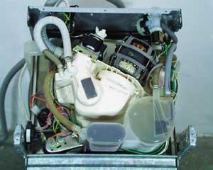 A gép alulnézeti képe