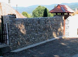 Falazatok kőből