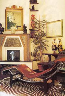 Le Corbusier pihenőszéke art deco-s környezetben