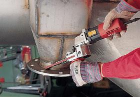 A keskeny szalagos réscsiszolók szűk helyeken használhatók előnyösen.