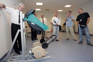 """A tesztlaborban a Bosch szecskázó kerekének a """"nyúzópróbája"""" folyik"""