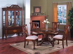 Örökéletű antik bútorok