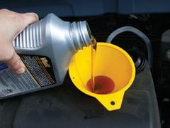 Benzinmotoros gépek üzemanyaga és kenőanyaga