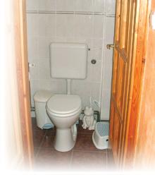 Csatlakoztassa a WC-vízellátást