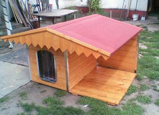 A kutyaházak tetőin is jól mutat a bitumenes fedés