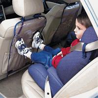 Kisgyerekes családokban szinte lehetetlen tisztán tartani az autót, de a sáros cipőktől érdemes védeni a kárpitot, minkét oldalon