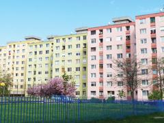 Mit tehet a többség a nem fizető lakótárs ellen?