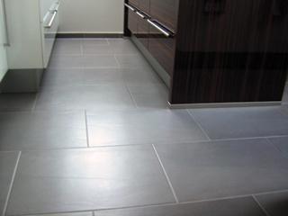 A kerámialapos burkolat a konyhákban is igényli a gyakori felújító ápolást