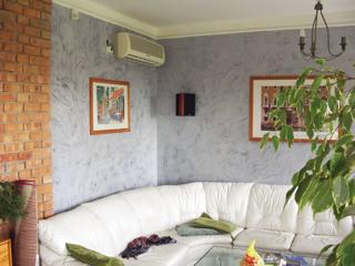 A spatulyázható festékekkel márvány utánzatú falak készíthetők