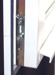 Az ablakvasalatok általában öt ponton záródnak