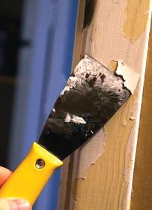 A nem kellően alapozott fafelületekről könnyen leválik a festett réteg